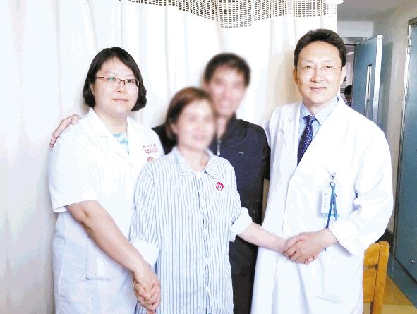 五旬妇直肠阴道瘘十年排便尴尬,中山六院采用生物补片成功修复直肠壁5厘米缺损