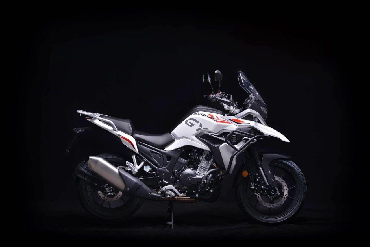 凱越400X發布售價:29800元,標配ABS和三箱